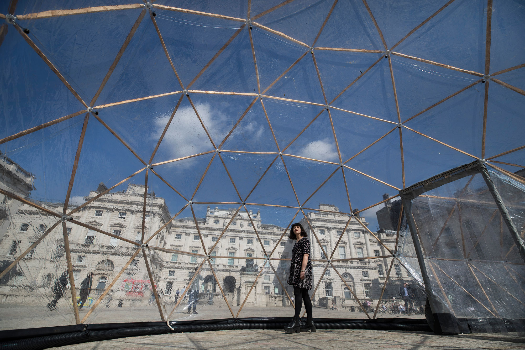 Pollution-Pods-by-Michael-Pinsky-at-Somerset-House-for-Earth-Day-2018-(c)-Peter-Macdiarmid-for-Somerset-House